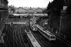 Los trenes acercan a la estación del santo-Lazare Imágenes de archivo libres de regalías