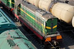 Los trenes de carga se cierran para arriba Imagen de archivo libre de regalías