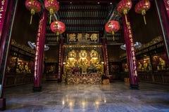 Los tres Buddhas en el templo chino de Tailandia Imagenes de archivo