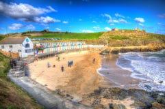 Los turistas en Porthgwidden varan St Ives Cornwall England en HDR fotografía de archivo