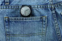 Los vaqueros viejos pusieron su bolsillo trasero Fotos de archivo libres de regalías