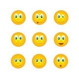 Los varios emoticons amarillos redondos con diversas emociones ilustración del vector