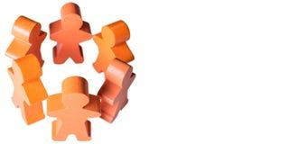 Los varones de madera se colocan de común acuerdo como panorama aislado con el espacio de la copia imagen de archivo libre de regalías