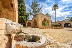 Los verracos del monasterio de Agia Napa dirigen la fuente en Chipre 2 Foto de archivo