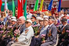 Los veteranos no identificados escuchan la enhorabuena durante el famoso Fotos de archivo libres de regalías