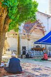 Los viejos musulmanes en la mezquita de Muratpasa, Antalya Imágenes de archivo libres de regalías
