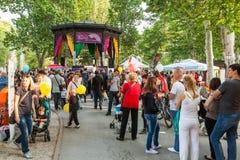 Los visitantes durante décimo quinto Cest son el festival más d'Best, Zagreb, Croacia imágenes de archivo libres de regalías