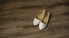 Los zapatos de la novia en el piso 3 metrajes
