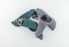Los zapatos de las mujeres en bolsos del zapato del viaje Foto de archivo libre de regalías