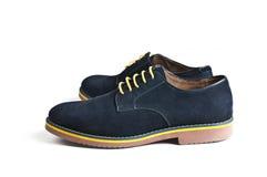 Los zapatos de los hombres del ante Fotos de archivo