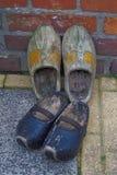Los zapatos de madera klompen Imagen de archivo