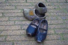 Los zapatos de madera klompen Imagenes de archivo