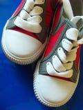 Los zapatos del deporte se cierran para arriba Fotos de archivo libres de regalías