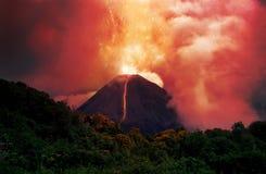 Losbarstende vulkaan royalty-vrije stock afbeelding