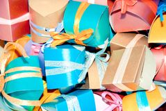FarbGeschenkboxen Lizenzfreie Stockfotos