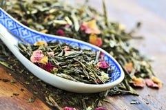 Loser grüner Tee Stockbilder