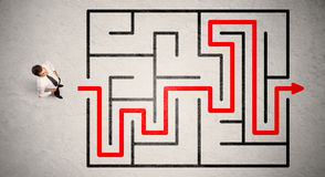 Lost Businessman Found The Way In Maze With Red Arrow Royalty Free Stock Photos