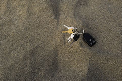 Lost keys in sand Royalty Free Stock Photography