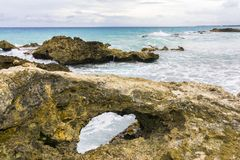 Losu Angeles Douche plaża na drodze losu angeles Pointe Des Chateaux zdjęcia stock