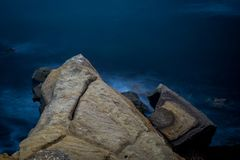 Losu Angeles Jolla linia brzegowa przeciw błękitnemu oceanowi Zdjęcia Stock