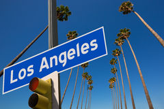 LOSU ANGELES Los Angeles drzewek palmowych drogowego znaka fotografii góra z rzędu Zdjęcia Royalty Free