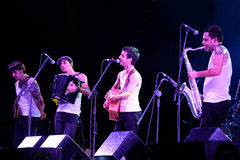 Losu Angeles Mody muzyka na żywo przedstawienie przy Bime festiwalem (zespół) Fotografia Stock