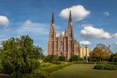 Losu Angeles Plata katedra Moreno i plac - los angeles Plata, Buenos Aires prowincja, Argentyna zdjęcia stock