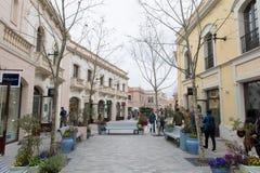 LOSU ANGELES ROCA wioska, BARCELONA HISZPANIA, MARZEC, - 17, 2018: zakupy ma fotografia stock