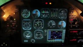 Lotów szczegóły wskazujący na kokpicie kasetonują, dymią, początki wypełnia samolot kabinę zdjęcie wideo