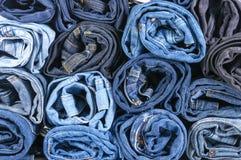 Lot Blue Jeans Lizenzfreie Stockbilder