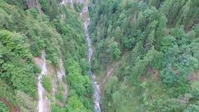 Lot nad doliną w alps zbiory