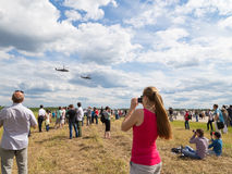 A lot of people at an airshow Royalty Free Stock Images