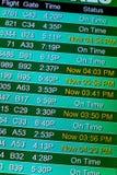 Lota ewidencyjnego pokazu ekrany przy lotniskiem Zdjęcie Royalty Free