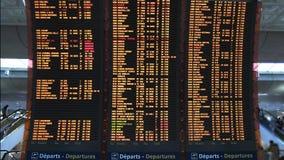 Lota odjazdu deska przy Charles degaulle lotniskiem zdjęcie wideo