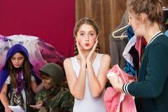 Lotas consideravelmente novas da atriz na câmera foto de stock royalty free
