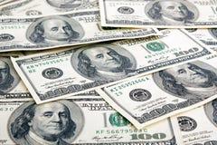 Lote de cem notas de dólar Fotos de Stock Royalty Free