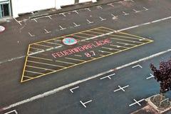 Lote de estacionamento marcado para o corpo dos bombeiros foto de stock royalty free