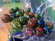 Loteryjne piłki podczas ekstrakci Obrazy Royalty Free