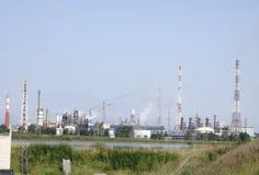 Lotes ateados fogo carvão do central elétrica das torres imagens de stock