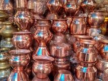 Lotes da embarcação de cobre da água Imagens de Stock