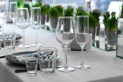 Lotes da tabela dos vidros Foto de Stock Royalty Free