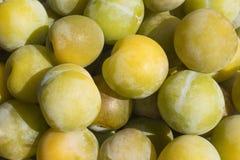 Lotes de ameixas amarelas Imagem de Stock