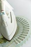 Lotes de cem euro- contas e ferros Fotografia de Stock