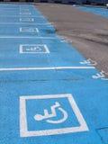 Lotes de estacionamento para pessoas incapacitadas Foto de Stock Royalty Free