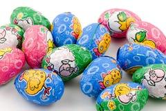 Lotes de ovos de easter do chocolate Imagem de Stock