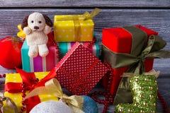 Lotes de presentes do Natal Fotografia de Stock