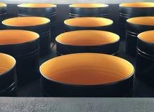 Lotes de tambores vazios, abertos do metal imagens de stock royalty free