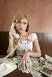 Lotes retros da mulher da ambição de notas do dinheiro do dólar Imagens de Stock