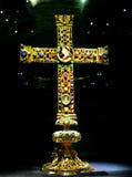 Lotharkreuzen är ett Ottonian kors i domkyrkan av Aachen, Tyskland Royaltyfri Bild