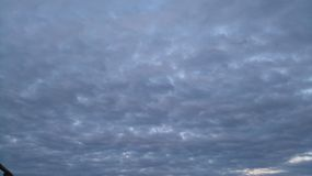 lotnicze jasne chmury wcześnie segregują puszystego lekkiego ranek halnego panoramy nieba halnego xxl Zdjęcie Stock